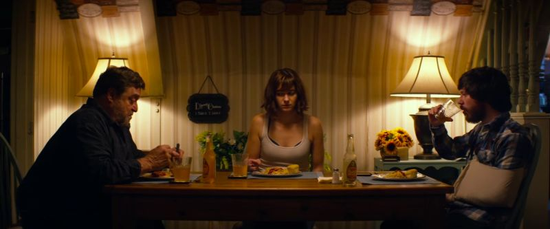 """10 Cloverfield Lane"""